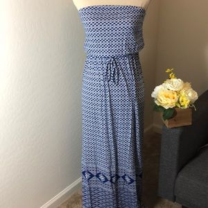 Old navy strapless maxi dress ✨ Size XS